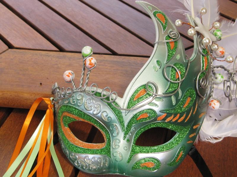 Mask Ornament Plastimake