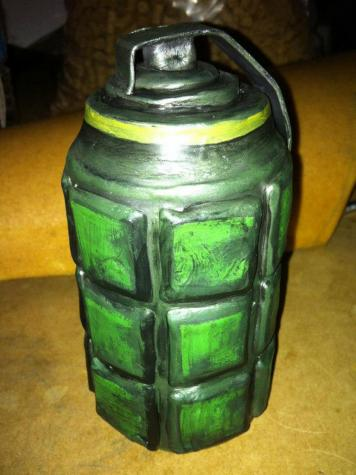 Costume grenade