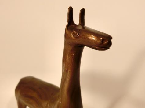 Gold llamas