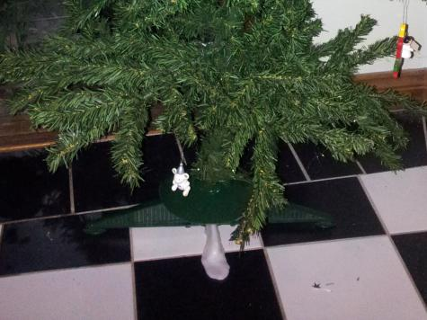 Christmas tree repair